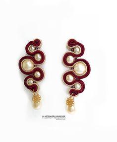 Orecchini pendenti con perle realizzati al Soutache. di LVDHM