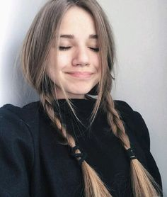Read from the story KIZ FOTOLARI by mrym_trsn (Merii) with reads. Hair Inspo, Hair Inspiration, Grunge Hair, Girl Photography Poses, Brown Hair Colors, Tumblr Girls, Aesthetic Girl, Pretty Face, Cute Hairstyles