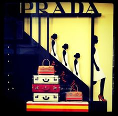 Prada #VM #retail #design
