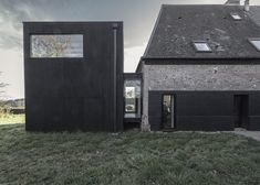 Parisian architect Antonin Ziegler added the 60-square-metre reading room to an old stone house in Senneville-sur-Fécamp