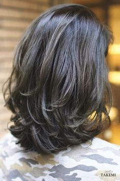 Most Popular Wavy Short Hairstyles Hairstyles Hairstyles Are you looking for different hairstyles for your short, wavy hair? Don't worry about short hair! You can bring your short wavy hair in fashionable and cool…Read Haircuts For Medium Hair, Medium Hair Cuts, Short Hair Cuts, Medium Hair Styles, Curly Hair Styles, Medium Layered Haircuts, Haircut Medium, Short Wavy, Shoulder Length Hair