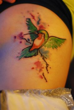 hummingbird tattoo - i like the wings outstretched, but would like more detail in it...
