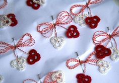 Martisor traditional - Hand Made Needle Tatting Patterns, Celebration Quotes, Embroidery Motifs, All Craft, Christmas Carol, Crochet Crafts, Alter, Fiber Art, Lana