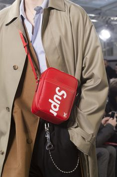 See the Louis Vuitton x Supreme Accessories People Are Losing Their Minds Over Supreme Accessories, Bag Accessories, Pochette Louis Vuitton, Louis Vuitton Mens, Lv Men, Trench Coat Men, Burberry Men, Gucci Men, Vuitton Bag