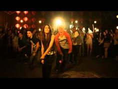 Music video by Victorious Cast feat. Victoria Justice performing Freak The Freak Out. (C) 2010 Sony Music Entertainment