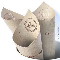 Fabriquez vos cornets à confettis vous-même avec quelques feuilles de kraft, un tampon personnalisé et de la poudre à embosser cuivrée ... Effet garanti
