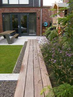 Posts about Gardening written by money. Outdoor Areas, Outdoor Seating, Family Garden, Home And Garden, Garden Studio, Contemporary Garden, Exterior Design, Patio Design, Small Gardens