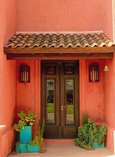 Trendy Home Exterior Colors Colonial Spanish Style Homes, Spanish House, Pintura Exterior, Mexican Home Decor, Mexico House, Hacienda Style, Exterior House Colors, Colonial Exterior, Trendy Home