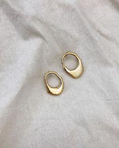 Minimalist style jewellry gold earrings on white linen. awesome Minimalist style jewellry gold earrings on white linen. Gold Earrings, Silver Jewelry, Fine Jewelry, Jewellery Earrings, Damas Jewellery, Onyx Necklace, Garnet Necklace, Pendant Necklace, Jewellery Box