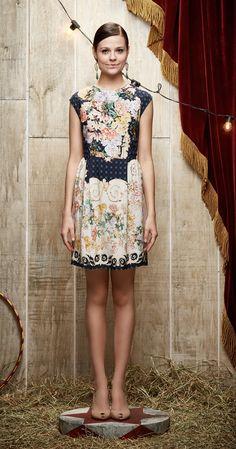 Vestido Buquet Pregas   Carola e sua Cartola   Antix Store