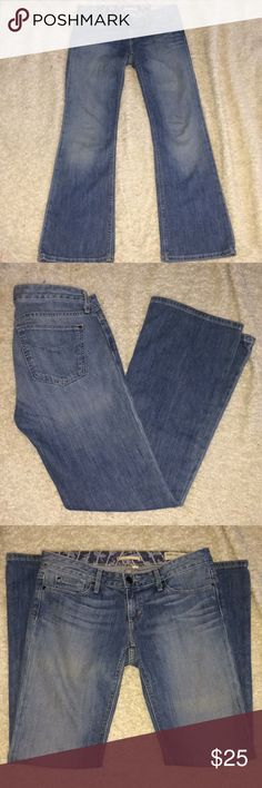 Gap Low Rise Jeans Bootcut Size 29 R / 8 R Gap Low Rise Jeans Bootcut Size 29 R / 8 R Smoke free home if you have any questions let me know.....Inseam is approx 33 and Rise is 7 GAP Jeans Boot Cut