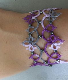 Beautiful tatted bracelet! - tatting inspiration