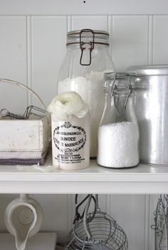 Fröken Knopp : april 2012 storing sugar, salt, flour, in glass containers on open shelves with some aluminum