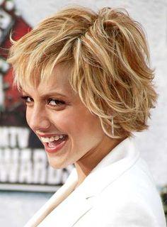 Brittany Murphy - kinda like this messy shag Messy Short Hair, Choppy Hair, Short Hair With Layers, Wavy Hair, Short Hair Cuts, Short Hair Styles, Over 40 Hairstyles, Layered Bob Hairstyles, Cool Hairstyles