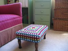 sweet little crochet-covered stool by homespunliving.blogspot with a link to a tutorial on how to crochet a granny rectangle