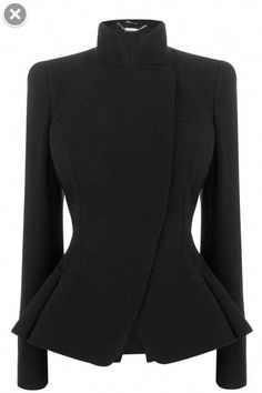 Black Crepe Wool Asymmetric Bustle Jacket Alexander McQueen dress and coat outfit Alexander Mcqueen Dresses, Elegantes Outfit, Mode Vintage, Coat Dress, Mode Inspiration, Mode Style, What To Wear, Ideias Fashion, Autumn Fashion