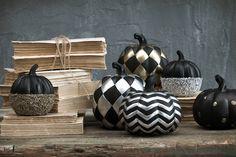 Čo je trendy? Luxusný Halloween! | Living Styles Living Styles, Halloween Decorations, Cricut, Jar, Decorating, Home Decor, Autumn, Decor, Decoration