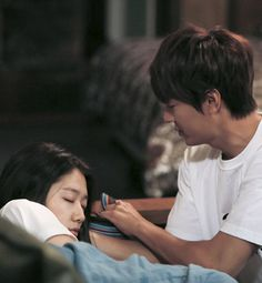 aaww.. Lee Min Ho and Park Shin Hye ♡ #Kdrama - THE HEIRS (THE INHERITORS)