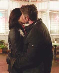 3.22- the last moment of OQ bliss before they walked into Granny's.  And REALLY nice kiss, too