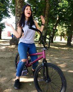 Follow this awesome BMX Girl @polett_bmx Bicycle Paint Job, Bicycle Painting, Bmx Girl, Biker Girl, Gt Bmx, Bmx Flatland, Bmx Street, Bmx Freestyle, Cycling Girls