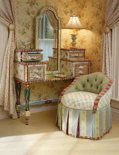 The Rabbit Garden Dressing Table with Dressing Table Perch.