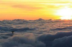 jesus-statue-above-clouds-panoramic-view-in-rio-de-janeiro.jpg 600×396 pixels