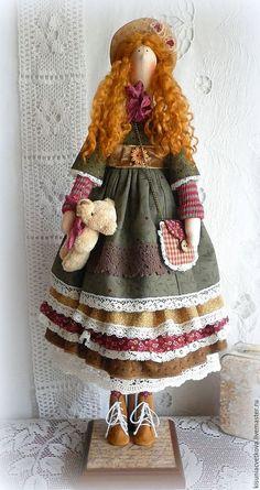 Купить или заказать Ханна... Винтажное бохо... в интернет-магазине на Ярмарке Мастеров. Ханна, озорная рыжулька родилась в период осенней ностальгии... Обожаю золотую осень с её богатством красок, поэтому и куколка получилась в осенней гамме... Девочка сшита из натуральных тканей, волосики кудри овцы, ботиночки натуральная замша... Подставка в комплекте...