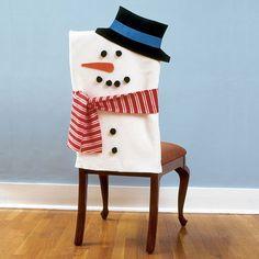 ideas de cómo adornar las sillas en navidad