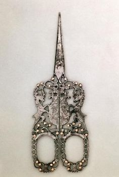 Jeweled scissors emblazoned with Cavendish arms, English (Sheffield), circa via Victoria & Albert Museum, London, UK / The Bridgeman Art Library. Vintage Sewing Notions, Vintage Sewing Machines, Sewing Box, Sewing Tools, Vintage Antiques, Vintage Items, Vintage Buttons, Objets Antiques, Vintage Scissors