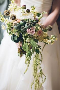 Subdued colors stand out with a cascading bouquet.