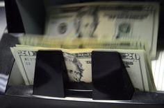 Calificadoras ven en Costa Rica un país más riesgoso para invertir