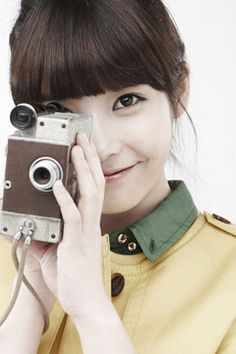 I just think this picture is so cute Budget Fashion, Cheap Fashion, Most Beautiful Faces, K Idol, Pretty And Cute, Korean Actresses, Fans, Korean Singer, Asian Fashion