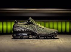 Nike Air VaporMax Cargo Khaki Release Date. This Nike Air VaporMax comes dressed in a mix of Midnight Fog, Cargo, Khai and Desert Moss for Summer Green Sneakers, Best Sneakers, Running Sneakers, Running Shoes For Men, Sneakers Fashion, Sneakers Nike, Work Sneakers, Summer Sneakers, Nike Tennis