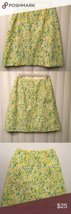 "Lilly Pulitzer Vintage ""The Lilly""  Skirt Size 4; yellow, white Waist flat-13.5 in. Length-20.5 in. Lilly Pulitzer Skirts"