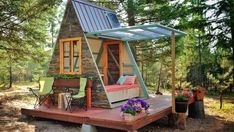 Photographer Alla Ponomareva and her husband Garrett wanted a new guest house for their home near Missoula, Montana. Rather than commission a firm to build it for them, the pair rolled-up their sleeves and constructed a solar-powered A-frame cabin for roughly US$700.