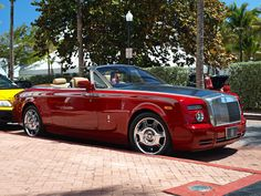 Rolls-Royce Phantom Drophead Seats: 3 (2 in rear, 1 next to Chauffeur)