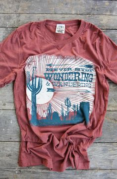 WONDERING & WANDERING TEE - Junk GYpSy co.