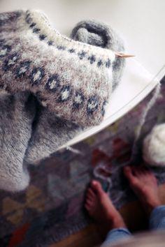 Me Naiset – Blogit | Kalastajan vaimo – Islantilaisneule Kuta, Fingerless Gloves, Arm Warmers, Scandinavian, Knit Crochet, Crochet Patterns, Knitting, Weave, Fashion