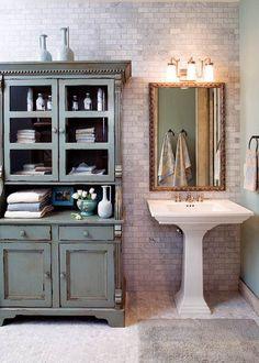 Bathrooms with pedestal sinks, pedestal sink storage, rustic bathroom shelv Pedestal Sink Storage, Pedestal Sink Bathroom, Bathroom Sink Storage, Bathroom Cupboards, Master Bathroom, Bathroom Organization, Sink Shelf, Bathroom Vanities, Pedistal Sink