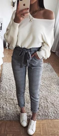 Cute Casual Back to School Outfit Ideas for 2018 -  #Casual #cute #Ideas #Outfit #School -  Cute Casual Back to School Outfit Ideas for 2018        Cute Preppy Back to School Outfits Ideas for Teens for College 2018 Casual Fashion -ideas para el regreso a la escuela - www.GlamantiBeaut... #outfits