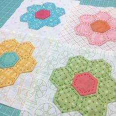 Bee In My Bonnet: Churn Dash and Hexie Flower Block Tutorials!!