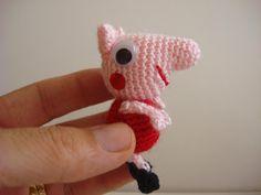 Crochet Pig, Crochet Patterns Amigurumi, Crochet Dolls, Peppa Pig Amigurumi, Amigurumi Doll, Crochet Keychain, Mini Craft, Yarn Stash, Embroidery Patterns