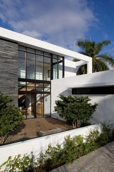 South Island Residence by KZ Architecture, Golden Beach, Florida