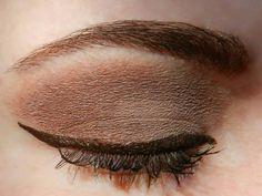 Base: Candlelight ShadowSense Blending: Garnet ShadowSense Accent: Smoked Topaz ShadowSense Liner: Brown EyeSense Mascara: Black LashSense Brows: BrowSense; Match to brow color