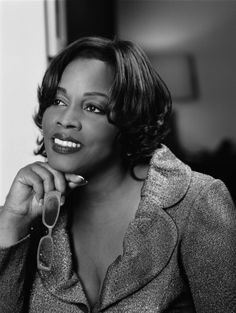 Grandeur with refinement: that describes the aura of Dianne Reeves…the vocal heir of Sarah Vaughan, whose voice could also travel anywhere. -Stephen Holden, New York Times Louis Armstrong, Funny Frank, Dianne Reeves, Lady Sings The Blues, Contemporary Jazz, Black Photography, Frank Zappa, Blues Music