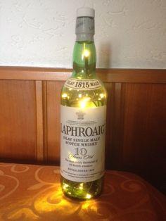Laphroaig Whisky Flasche mit LED Lichterkette von TaunusBottles