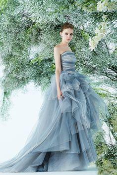 ノバレーゼのダスティブルーのカラードレス