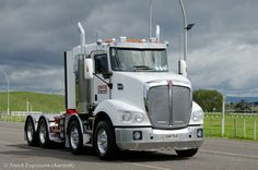 KW T880 twin steer..