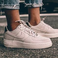 the latest 2adf9 0c040 Basket Nike Air Force 1 Low Suede PRM Gamma Grey Phantom pas cher (femme) -  Louise Pejean - Pctr UP