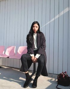 Look at this Cool korean fashion outfits Style Ulzzang, Korean Fashion Ulzzang, Korean Fashion Winter, Korean Fashion Casual, Korean Fashion Trends, Korean Street Fashion, Korean Outfits, Hipster Fashion, Asian Fashion